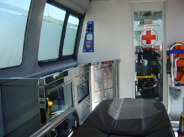 Allestimento in acciaio INOX su Vokswagen Transporter T5 Tetto alto immagine 5