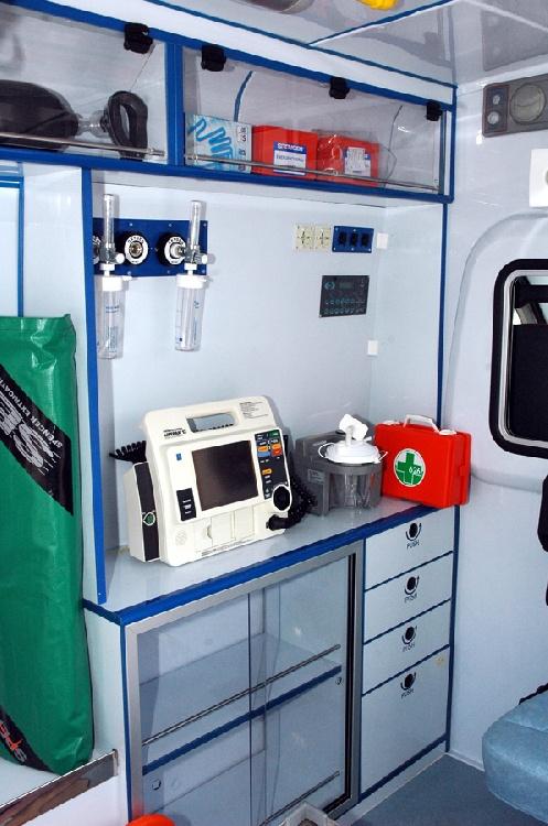 Allestimento in ABS Termoformato per ambulanza di soccorso realizzato su nuovo Fiat Ducato X250. immagine 5