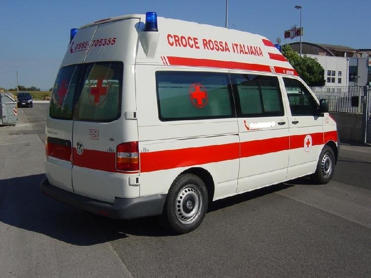Allestimento in acciaio INOX su Vokswagen Transporter T5 Tetto alto immagine 2