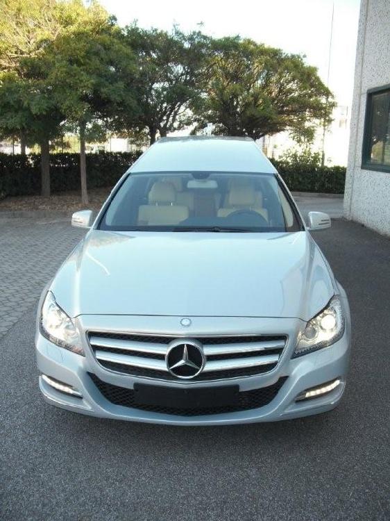Autofunebre Mercedes classe C  CLS  Sirio E212