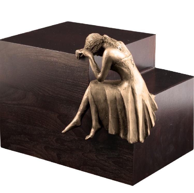 """Urna in legno e resina \""""Pianto\"""" immagine 2"""
