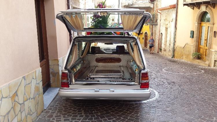 Mercedes Benz mod. 250 immagine 3