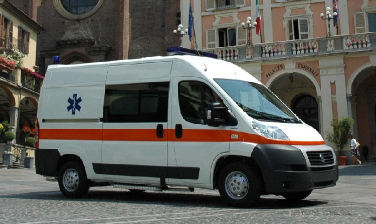 Allestimento in VETRORESINA per ambulanza di soccorso realizzato su nuovo Fiat Ducato X250.