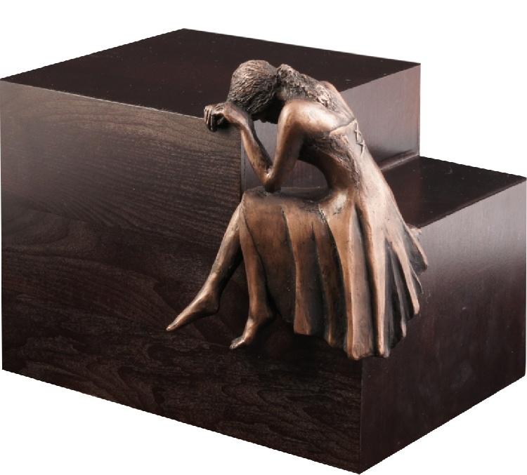 """Urna in legno e resina \""""Pianto\"""" immagine 3"""